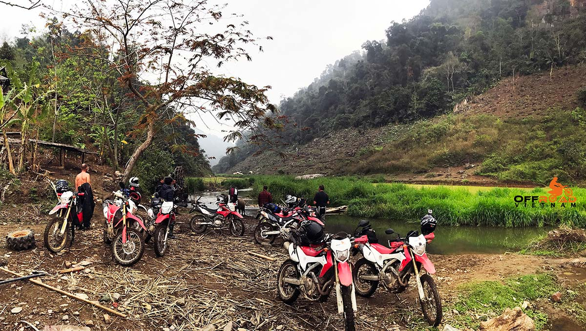 Hidden Vietnam Motorbike Tours offers Vietnam motorbike tours, motorcycle tours and scooters rentals, either on or off-road with Hidden Vietnam dirt bike tours.