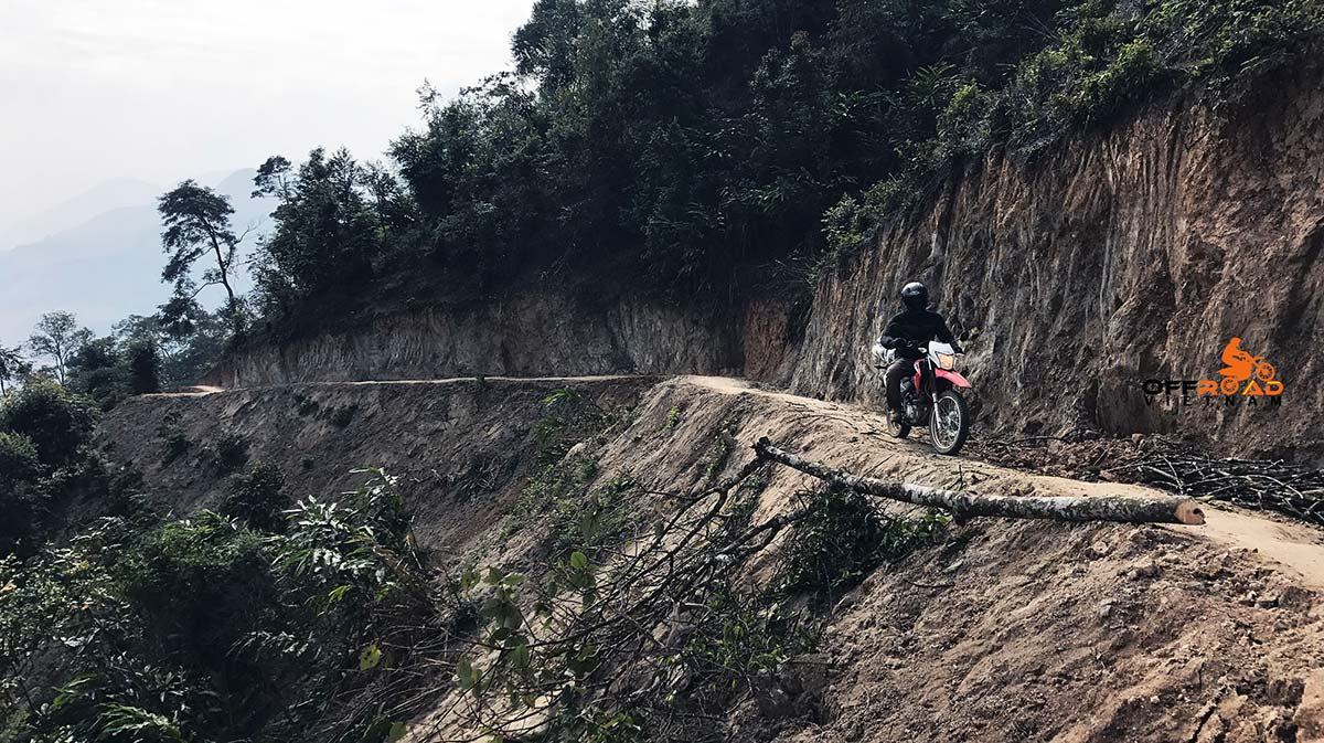 6-day trip on motorcycle riding through Vietnam on the Ho Chi Minh trail/road