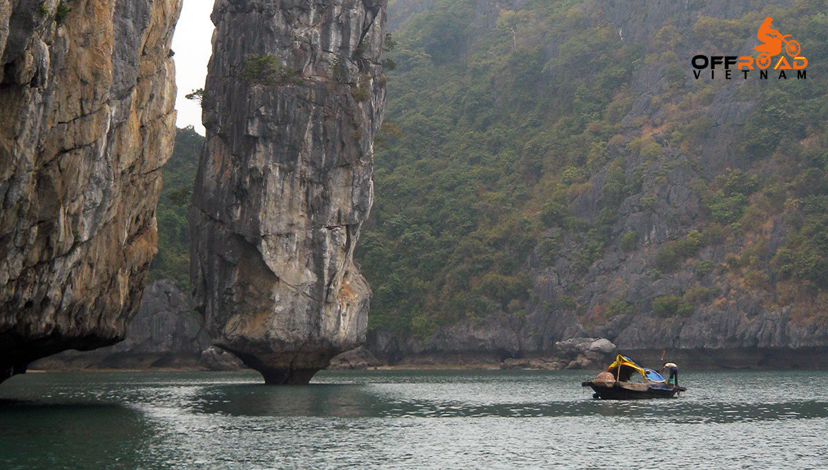 Hidden Vietnam Motorbike Tours - Grand North Loop trail road motorcycle tours in 16 days via Halong Bay.