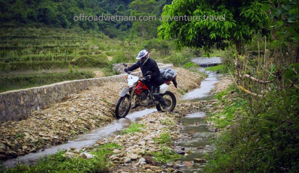 Big North By Train 10 Days: Single dirt track trail bike riding in Vietnam