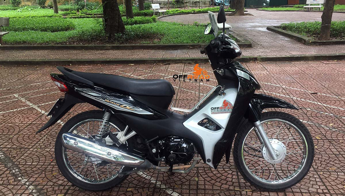 Hidden Vietnam scooter hire in Hanoi. Honda Wave Alpha semi-automatic 110cc.