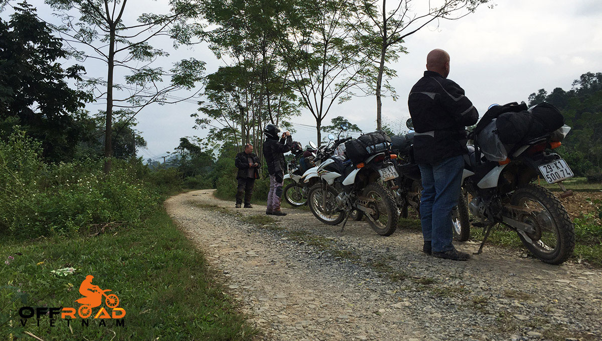 Hidden Vietnam Motorbike Tours - Short Motorbike Tours to Ba Vi and Duong Lam, peaceful countryside view.
