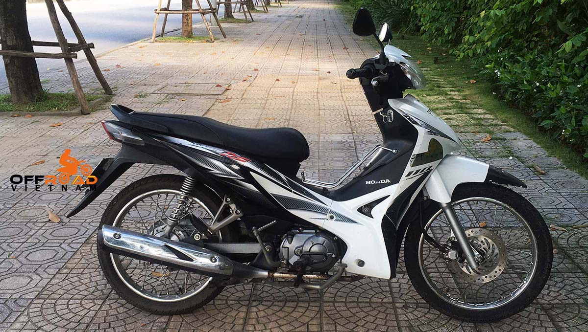 Hidden Vietnam Motorbike Tours - Used motorbikes for sale in Hanoi, Vietnam: Honda Wave RS 110cc.